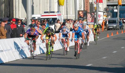 Ижевчанин стал первым в велогонке «Пять колец Москвы»