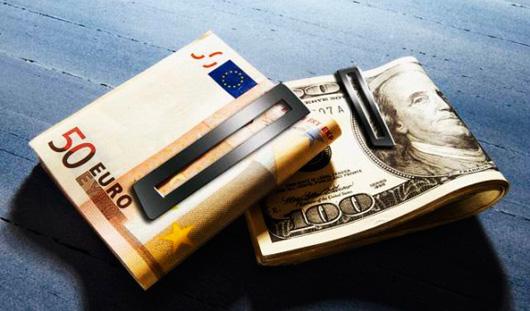 Курс доллара упал до 34,92 рублей