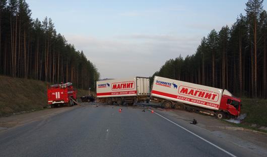 В жуткой аварии под Воткинском погибли два человека