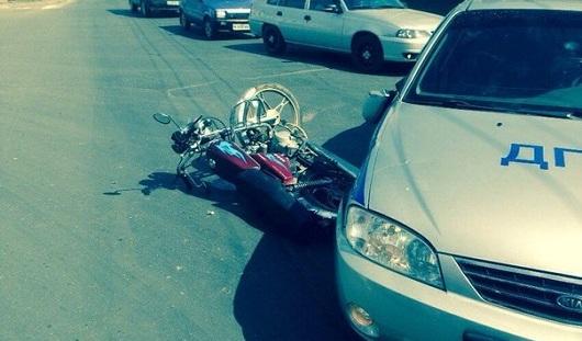 В Ижевске мотоциклист попал под колеса автомобиля ДПС