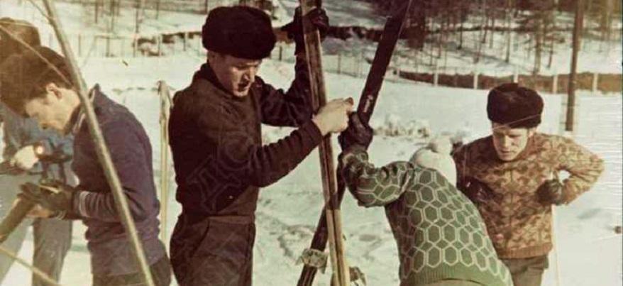 Лыжи, коньки, горки и другие зимние развлечения жителей советского Ижевска