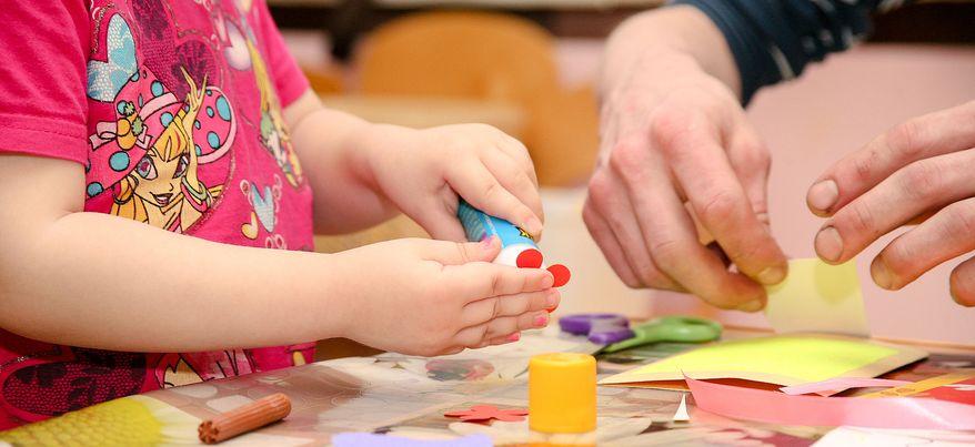 Как ижевчанам развлечь детей дома в новогодние праздники?