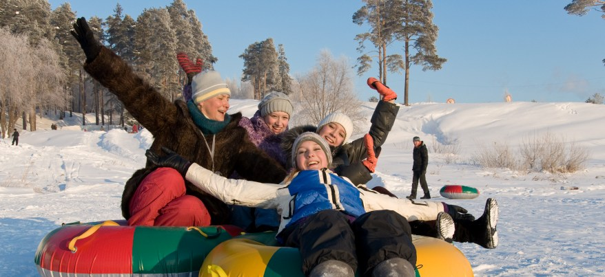 В Удмуртии за время новогодних каникул 32 человека получили травмы, катаясь на тюбингах