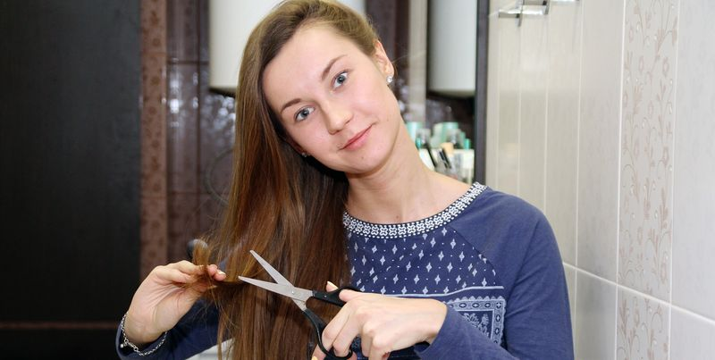 Есть вопрос: что делать, если вам испортили волосы в парикмахерской?