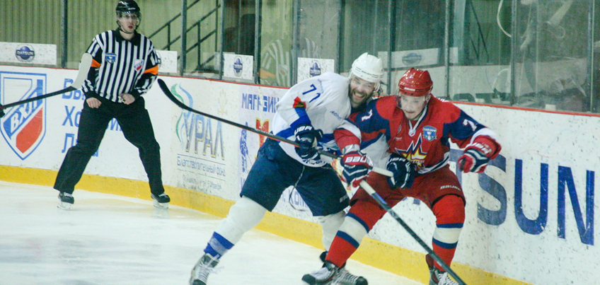 Хоккейная команда «Ижсталь» была разгромлена соперниками из ТХК на своем льду
