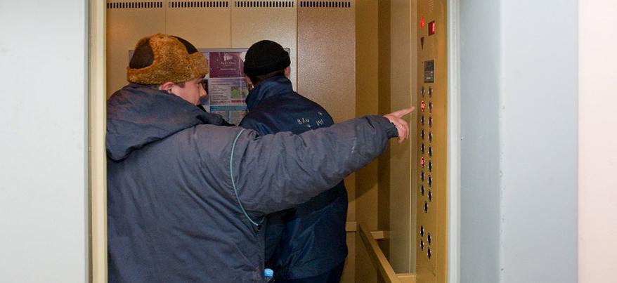 В Ижевске проверят компании, которые обслуживают лифты