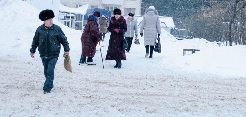 Снегопад в Ижевске: горожане жалуются на нечищеные пешеходные дорожки