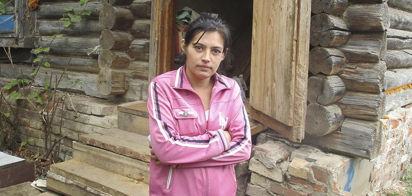 Жительницу Удмуртии, которая привязывала дочь к кровати, показали по Первому каналу