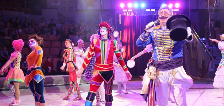 Цирк «Венециано» в Ижевске: родившийся тигренок, ручная львица и карнавальные маски