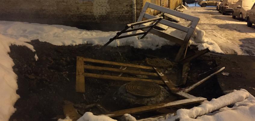 Две девочки в Ижевске пострадали от очередной аварии на теплотрассе