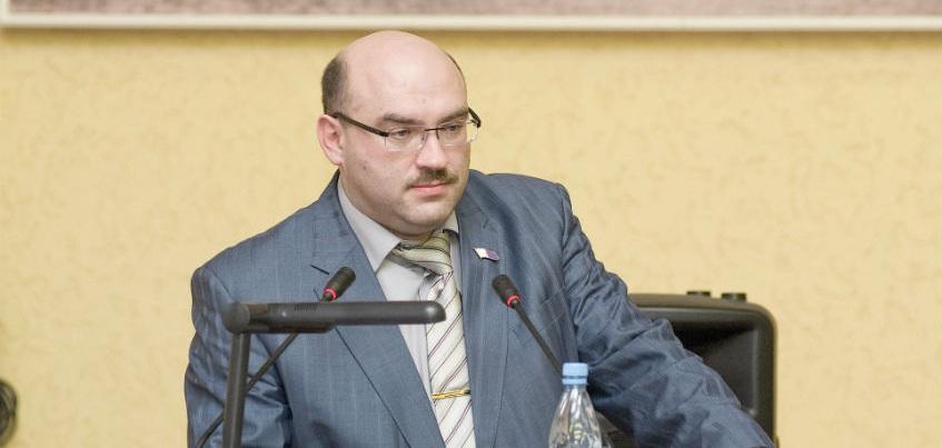 Суд оставил под домашним арестом супругу бывшего вице-спикера Гордумы Ижевска
