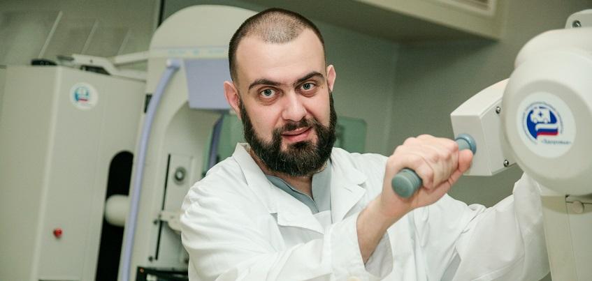 Ижевский врач рассказал о сложностях работы на скорой и о том, как один рентгеновский снимок может спасти жизнь