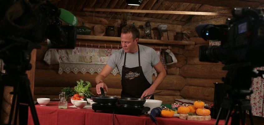 Ведущий кулинарного шоу на НТВ Джон Уоррен в Ижевске выучил удмуртские слова и был потрясен усадьбой Чайковского
