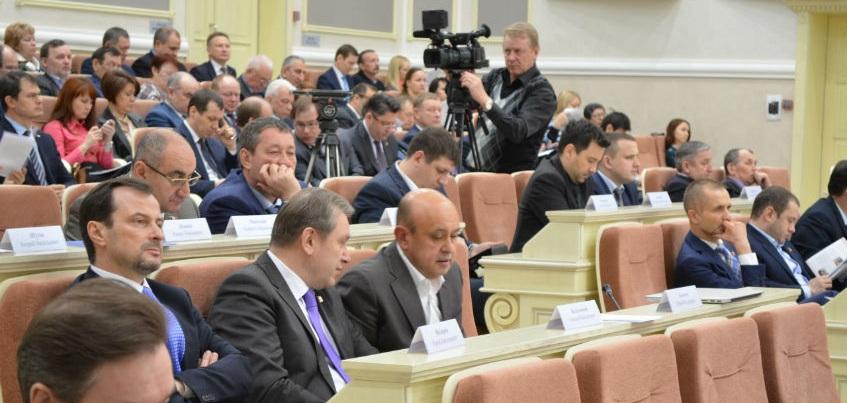 В Удмуртии обязали депутатов сообщать о конфликте интересов