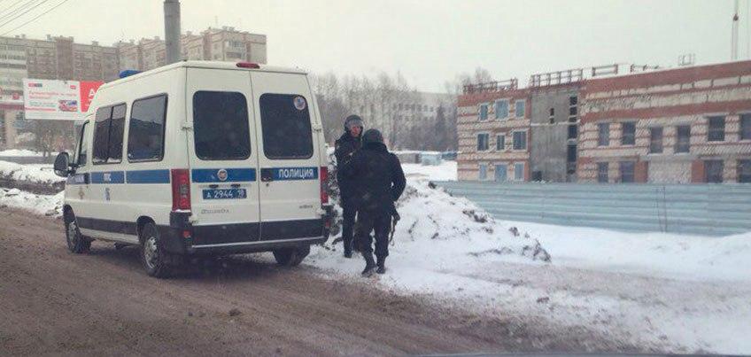 В районе улицы Ленина в Ижевске проходят учения