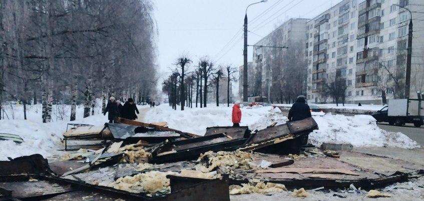 В Ижевске снесли остановочный комплекс «ул. Татьяны Барамзиной»