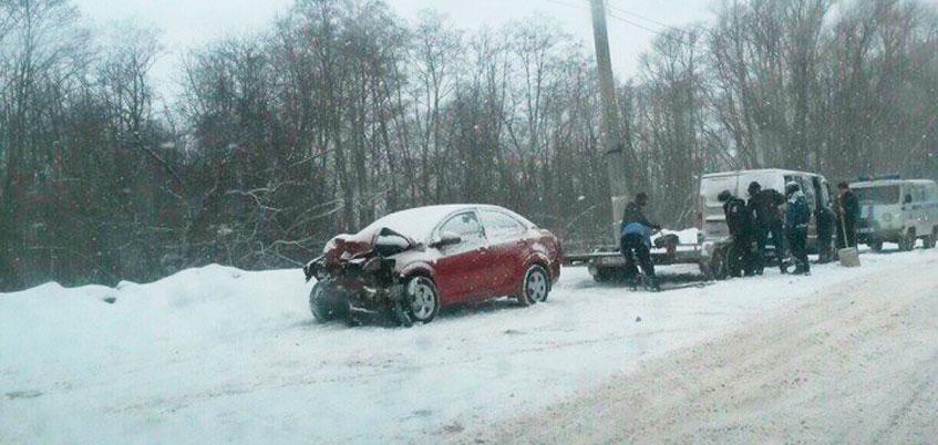 В Ижевске в течение дня произошло 3 ДТП из-за неблагоприятных дорожных условий