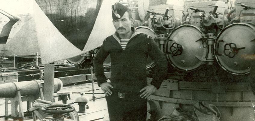 Главный следователь Удмуртии выводил корабль из шторма, а Глава республики 18 раз прыгал с парашютом