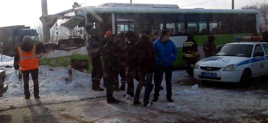 В Ижевске при столкновении автобуса и поезда погибла женщина