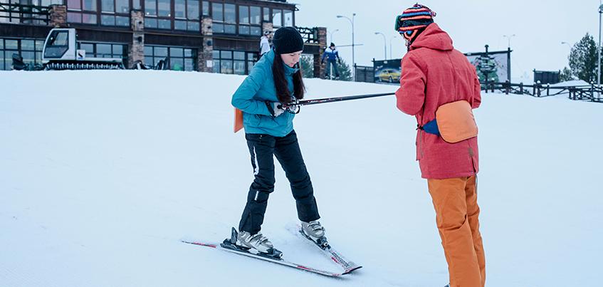 Испытано на себе: как новичку за час освоить горные лыжи
