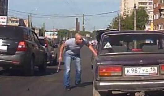 Полицейские Ижевска возбудили дело против «водителя с топором»