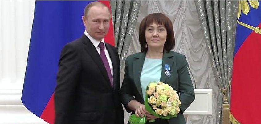 Владимир Путин наградил ижевчанку орденом Почета