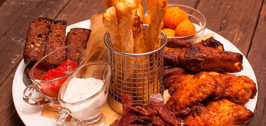 Мясной сет и бургер с говядиной и беконом от новых партнеров сайта da-eda