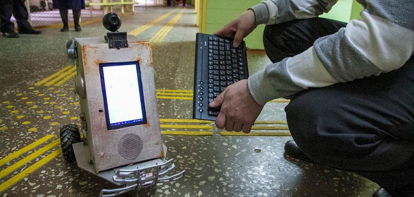 Ижевские ученики создали робота для слабовидящих одноклассников