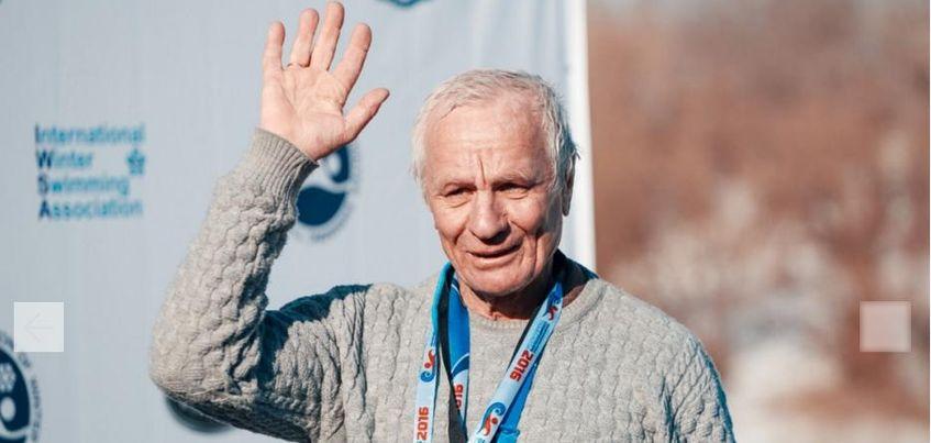 70-летний житель Воткинска стал дважды чемпионом мира по зимнему плаванию