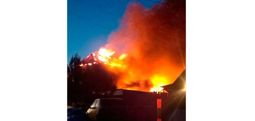 В Удмуртии сотрудники МЧС не могли потушить пожар, где погибли мама с дочерью, потому что рядом не было воды
