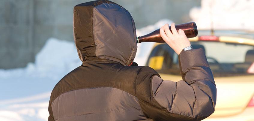 Не пей! Депутаты Удмуртии хотят запретить рюмочные и «разливайки» во дворах