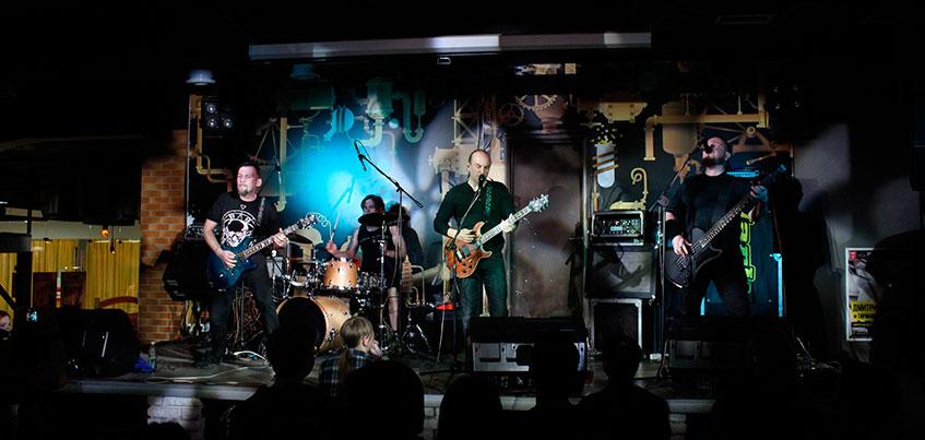 Солист рок-группы «Черный Обелиск» в Ижевске поругался с соседями