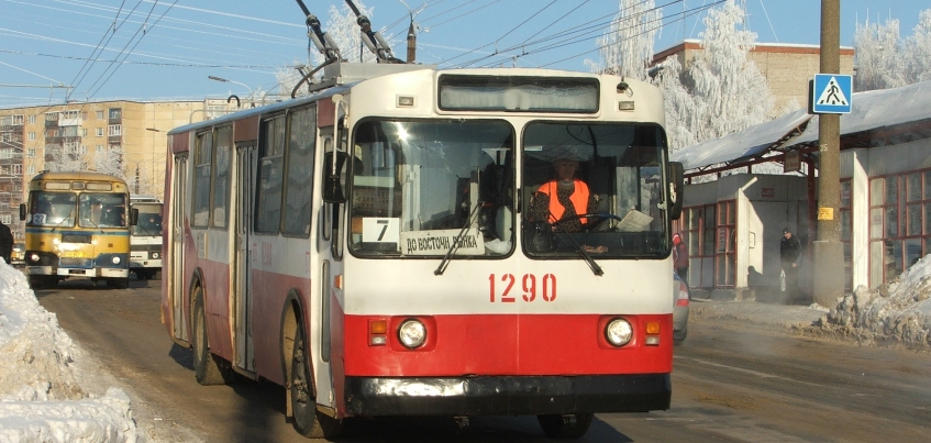 В Ижевске задымление в троллейбусе произошло из-за короткого замыкания