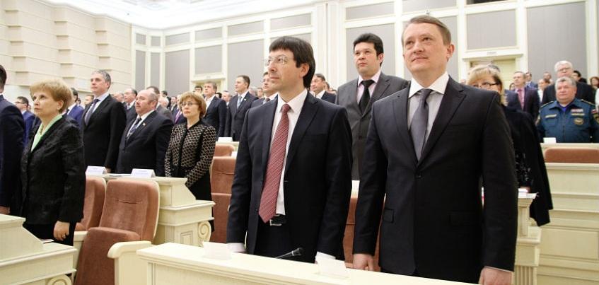 Первые декларации о доходах депутатов и задержки зарплаты на мосту через Каму