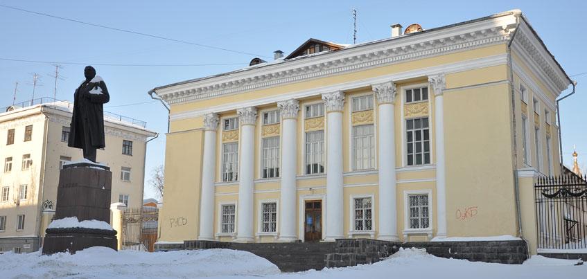 На проект национальной библиотеки в Ижевске нужно 25 млн рублей, а кинотеатр «Удмуртия» ремонтируют сами сотрудники