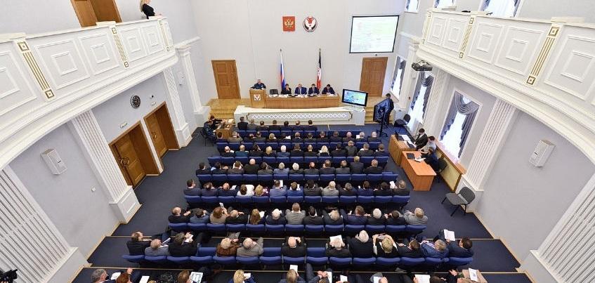 Глава Удмуртии отчитал чиновников за ранние уходы с мероприятий