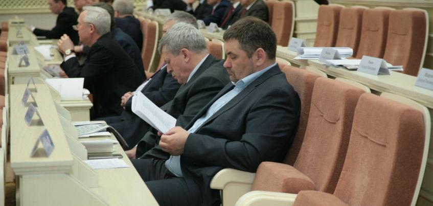 Депутаты Госсовета успели отчитаться о доходах вовремя