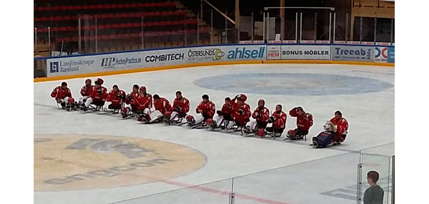 Россияне разгромили сборную Чехии в первом матче Чемпионата Европы по следж-хоккею
