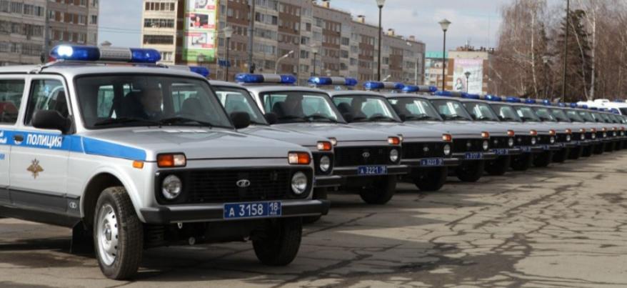 В Ижевске районные участковые получили 19 служебных автомобилей