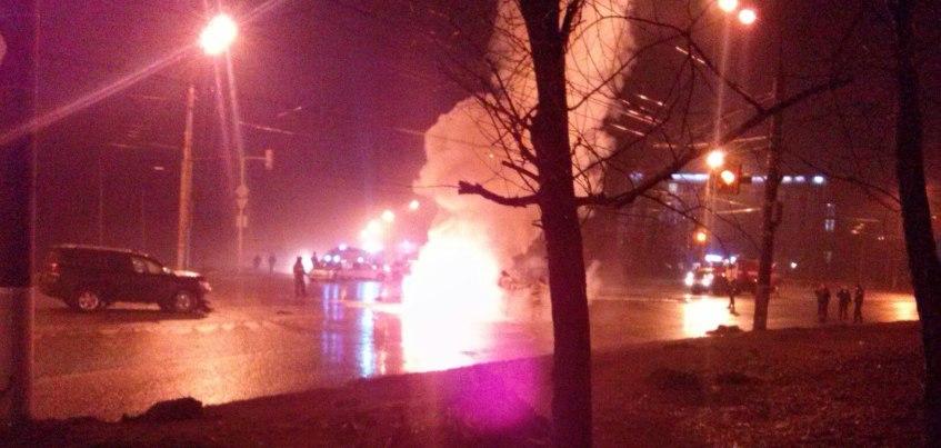 В Ижевске в ДТП загорелся автомобиль