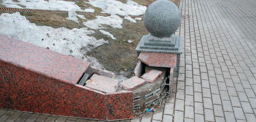 Набережную Ижевска, пострадавшую от вандалов и талых вод, отремонтируют к Дню города