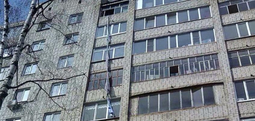 В Ижевске женщина, которая спускалась на простынях, сорвалась с высоты 9 этажа