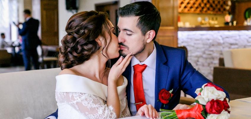 Ижевские молодожены: Ясновидящая нагадала будущего мужа