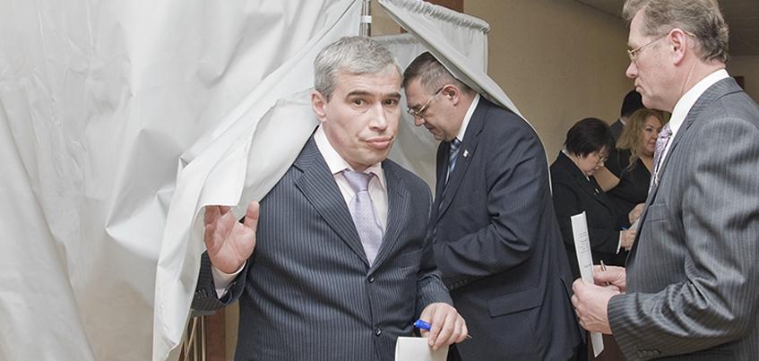 Под прицелом пистолета Ильдара Мавлутдинова, которого подозревают в убийстве бизнесмена, могли оказаться глава Ижевска и директор УКС