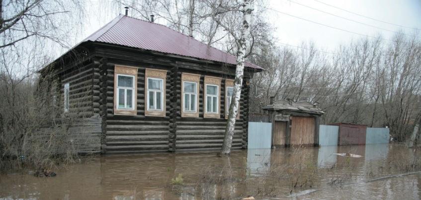 В Ижевске затопило семь жилых домов