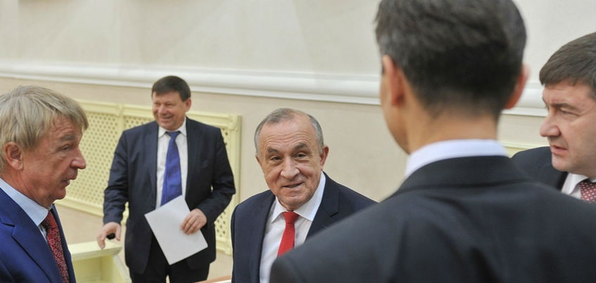 Глава Удмуртии объяснил критику дорог выборами в Госдуму