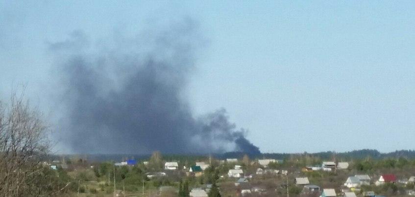 Удмуртнефть: Вспыхнувший нефтяной резервуар в 25 км от Ижевска практически потушили