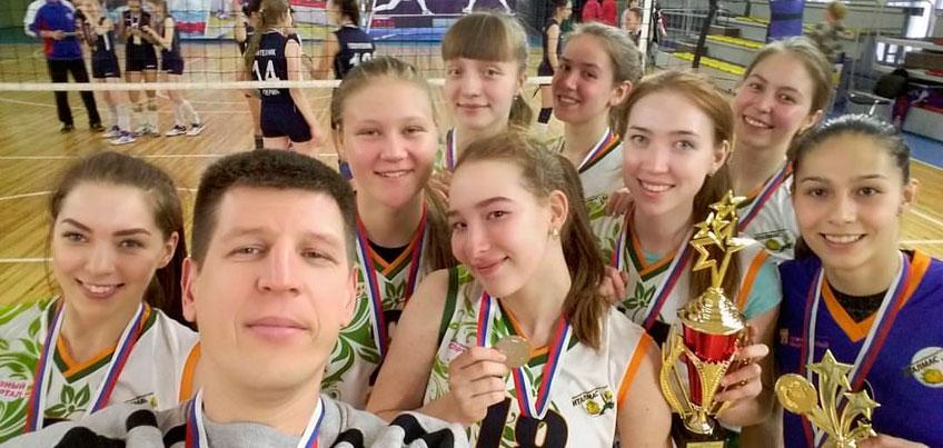 Волейболистки Италмас - ИжГТУ выиграли «серебро» на финале Студенческой волейбольной лиги России