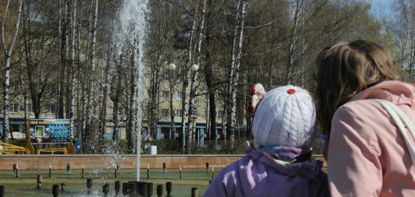 Фотофакт: на Центральной площади в Ижевске заработал фонтан
