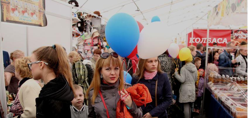 Первомайская ярмарка в Ижевске: атмосфера праздника, яркие покупки